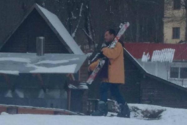 Ο Άδωνις Γεωργιάδης στην Φλώρινα για... σκι! (Photo)