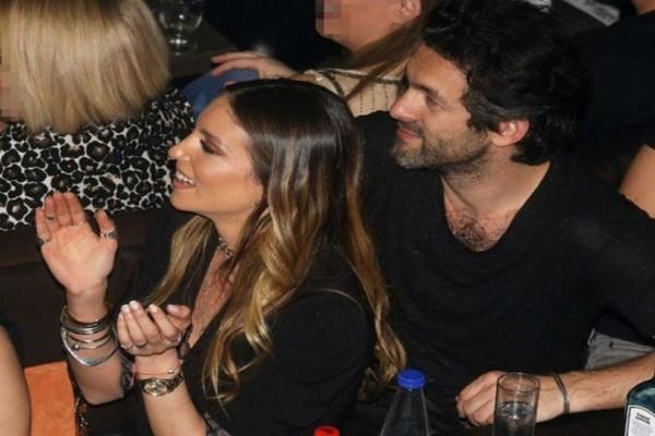 Ξεσάλωσαν Οικονομάκου-Μιχόπουλος ανήμερα των Χριστουγέννων! Οι φωτογραφίες με τον ξέφρενο χορό τους...
