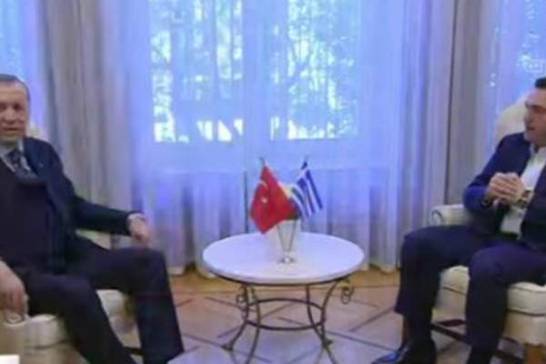 Live: Στο Μέγαρο Μαξίμου ο Ερντογάν -Τετ α τετ με Τσίπρα (video)