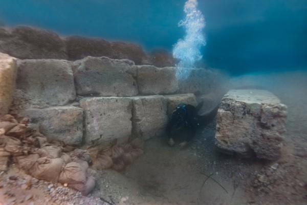 Εντυπωσιακά ευρήματα στο αρχαίο λιμάνι του Λεχαίου στην Κόρινθο! (Photo)