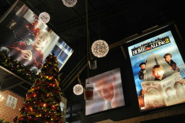 «Home Alone»: Το καλύτερο μπαρ των Χριστουγέννων στο Λίβερπουλ που θα σου θυμίσει την αγαπημένη σου ταινία! (Photos+video)