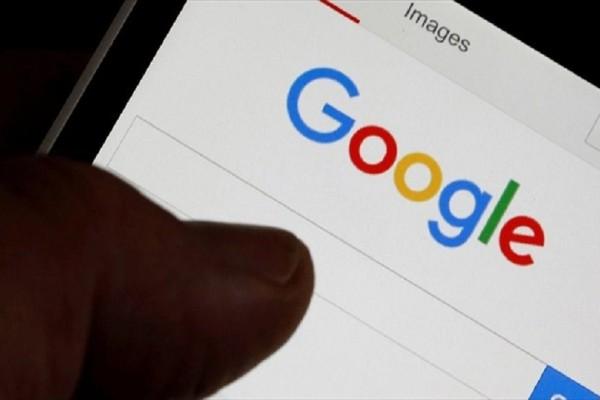 Η Google θα μας ειδοποιεί αν… κάποιος κοιτάζει το κινητό μας