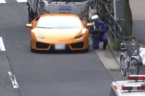 Αστυνομικός κυνηγάει Lamborghini με ποδήλατο!