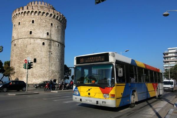 Ο απόλυτος πανικός στην Θεσσαλονίκη: Τον χτύπησε με αλυσίδα στο κεφάλι για μια θέση στο λεωφορείο!