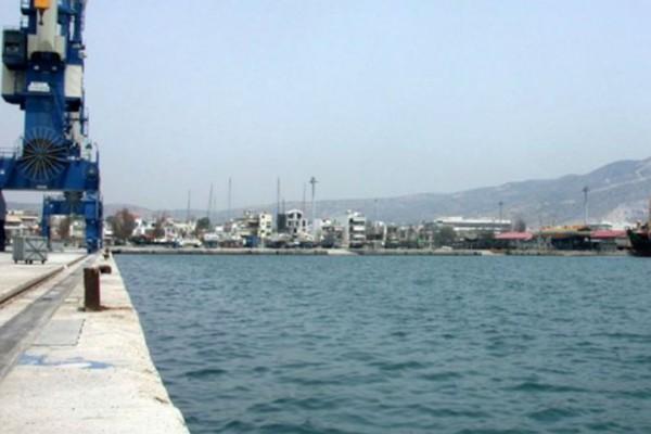 Βόλος: Συναγερμός στο λιμάνι. Αναζητείται άνθρωπος στη θάλασσα