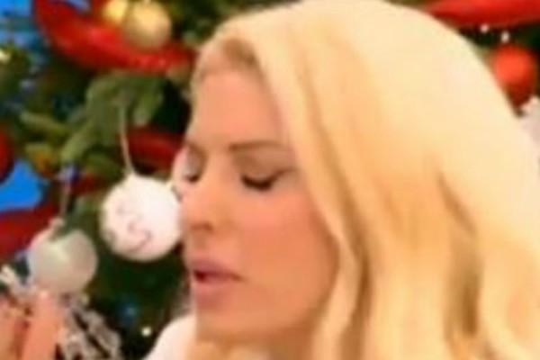 «Με έχεις τρομάξει!» Έπαθε πλάκα η Ελένη Μενεγάκη με την καλεσμένη της! Τι συνέβη που την άφησε με το στόμα ανοιχτό; (video)
