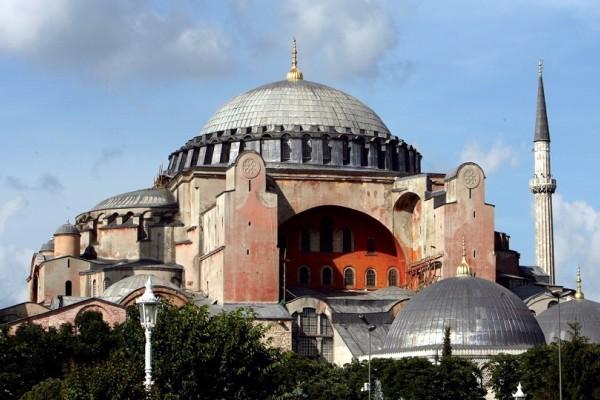 Σαν σήμερα στις 27 Δεκεμβρίου το 537 τελούνται τα θυρανοίξια της Αγια-Σοφιάς!