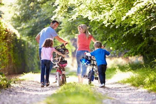 Έρχονται αλλαγές στα οικογενειακά επιδόματα: Τα νέα ποσά, ποιοι κερδίζουν και ποιοι χάνουν!