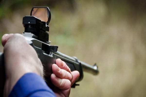 Παρ' ολίγον τραγωδία στην Ηλεία: Άνδρας πυροβόλησε τον θετό του γιο