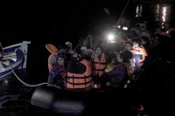 Υπό κράτηση οι 33 Τούρκοι που ζήτησαν άσυλο - Ανάμεσα τους και μια οικογένεια με 4 παιδιά!