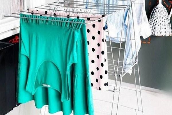 Αυτός είναι ο σοβαρός λόγος που δεν πρέπει να στεγνώνουμε τα ρούχα μέσα στο σπίτι! - Εσύ το ήξερες;