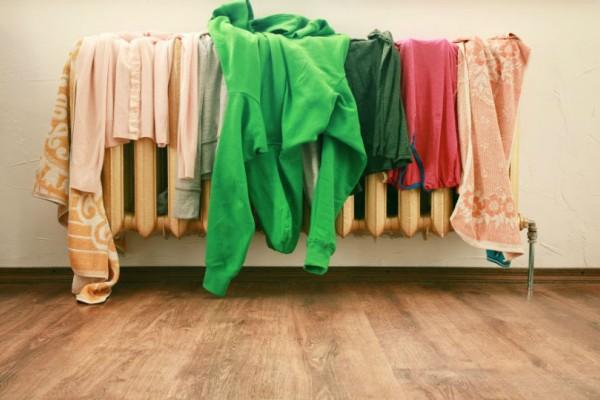 Είναι επικίνδυνο για την υγεία να στεγνώνουμε τα ρούχα μέσα στο σπίτι!