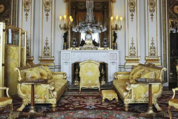 Ετσι είναι το παλάτι του Μπάκιγχαμ:  775 δωμάτια, χρυσό, υπερβολική διακόσμηση και μυστικές πόρτες (Photos)