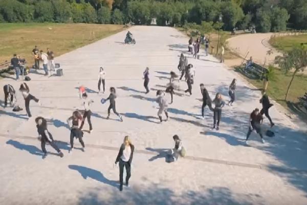 Το πιο παιχνιδιάρικο flash mob έγινε την Κυριακή 26/11 στο Πεδίον του Άρεως!