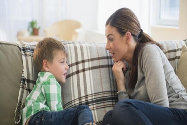 Γονείς δώστε βάση: Τι μπορείτε να κάνετε αν το παιδί σας τρομάζει εύκολα!