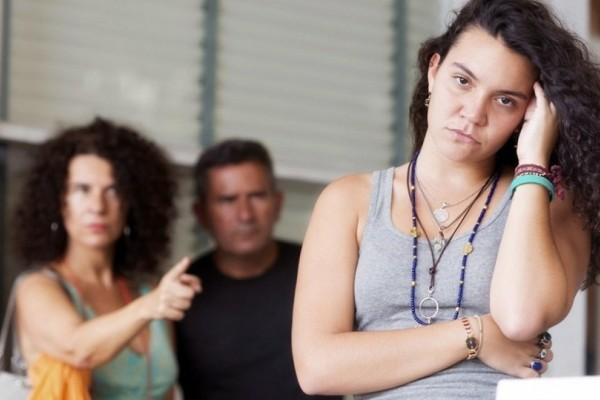 Γονείς δώστε βάση: Εύκολες συμβουλές για να αντιμετωπίσετε τον θυμό των εφήβων!