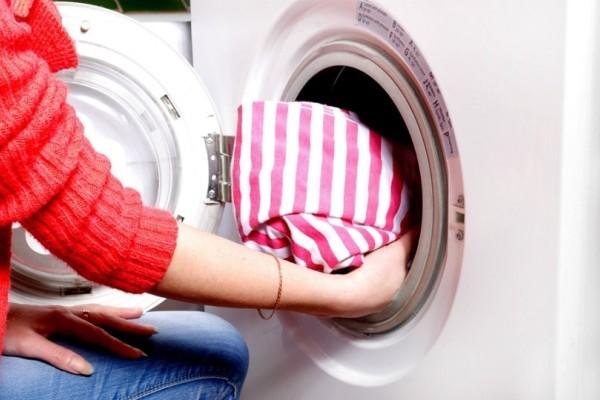 Βάλτε μια ασπιρίνη στο πλυντήριο ρούχων και θα τρίβετε τα μάτια σας!