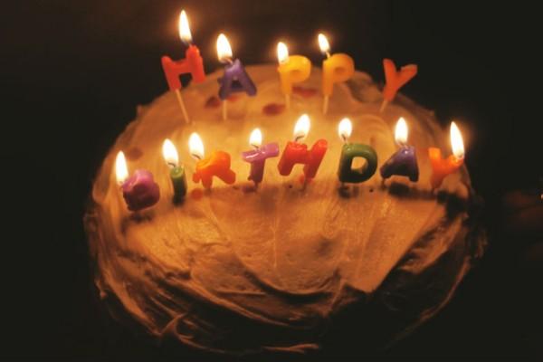 Αυτός είναι ο λόγος που σβήνουμε κεριά στις τούρτες!