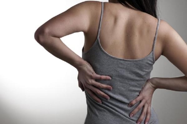 Δώστε βάση: Αυτές είναι οι 8 τροφές που μειώνουν τους πόνους στη μέση!