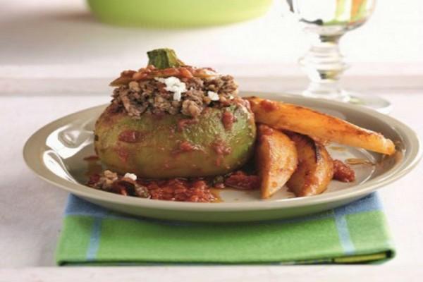 Η συνταγή της ημέρας: Κολοκύθια γεμιστά στο φούρνο με σάλτσα ντομάτας!