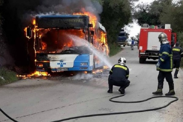Κέρκυρα: Λεωφορείο των ΚΤΕΛ τυλίχθηκε στις φλόγες (Photo)