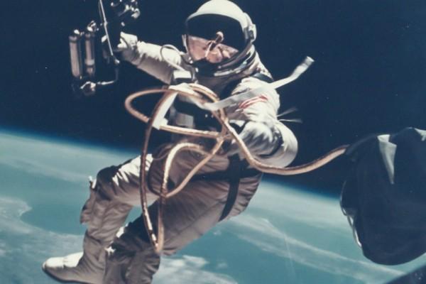 Αστροναύτης ψήλωσε στο διάστημα 9 πόντους μέσα σε μόνο...3 εβδομάδες!