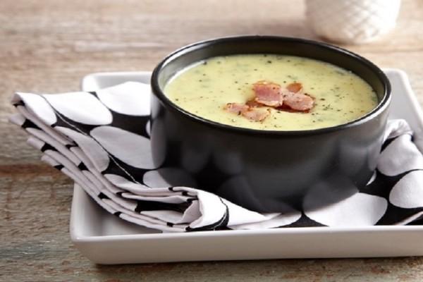 Ιδανική για τις κρύες μέρες: Πατατόσουπα με κρόκο Κοζάνης!