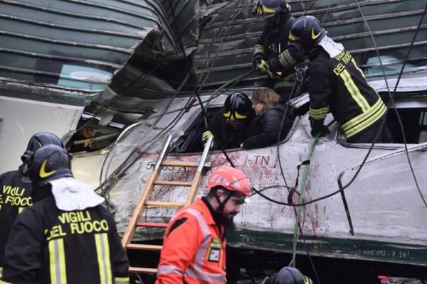Τραγωδία στο Μιλάνο: Πέντε νεκροί και πάνω από 100 τραυματίες από εκτροχιασμό τρένου! Εικόνες - σοκ
