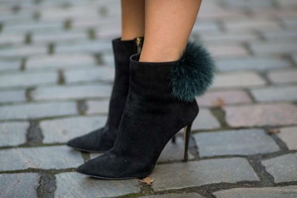 Η νέα τάση στη μόδα θέλει παπούτσια με γούνα!