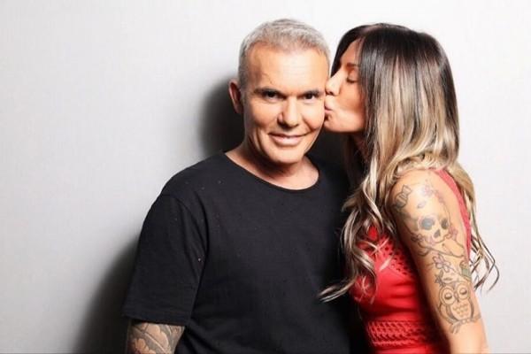 Στέλιος Ρόκκος - Ελένη Γκόφα: Αδημοσίευτη φωτογραφία από το γάμο τους! Το τρυφερό φιλί και το δαχτυλίδι που μας έβγαλε το μάτι