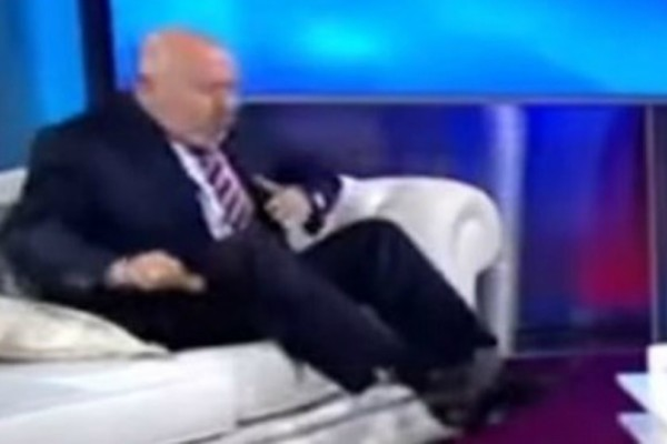 Σοκαριστικό βίντεο: Γιατρός παθαίνει ανακοπή στον αέρα ζωντανής εκπομπής!