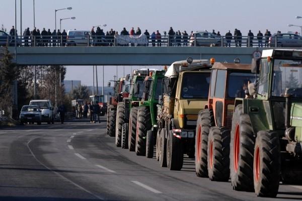 Συνεχίζουν ακάθεκτοι τις κινητοποιήσεις τους οι αγρότες της Αιτωλοακαρνανίας και της Ηλείας