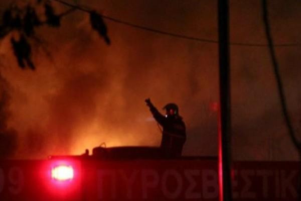 Μεγάλη φωτιά στην Αθήνα τα ξημερώματα της Πρωτοχρονιάς - Έχει πάρει μεγάλη έκταση!