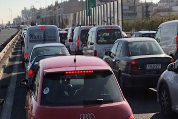 Έκτακτο: Σοβαρό ατύχημα στην Εθνική Οδό: Ουρές χιλιομέτρων και απίστευτη ταλαιπωρία! (photos)