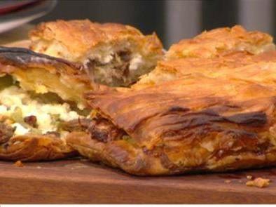 Πίτα με ψητό χοιρινό και πιπεριές και Πίτα με ψητό κοτόπουλο, γκούντα και μανιτάρια!
