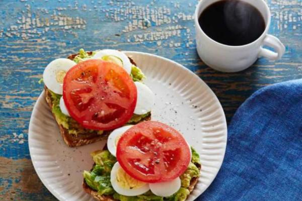 Τι θα συμβεί στο σώμα σας, αν σταματήσετε να τρώτε πρωινό