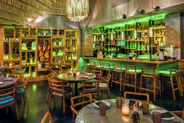 Το εστιατόριο De Sxara θυμίζει την κουζίνα της μαμάς!
