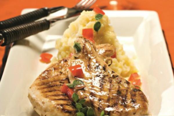 Η συνταγή της ημέρας: Κοτόπουλο με πουρέ πατάτας και σάλτσα λεμονιού!