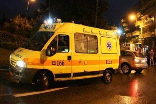 ΙΧ αυτοκίνητο «τούμπαρε» στη Μιχαλακοπούλου! (photo)