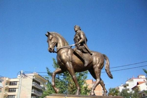 25 χρόνια ψάχνουν θέση στο κέντρο της Αθήνας για το άγαλμα του Μέγα Αλέξανδρου! (video)