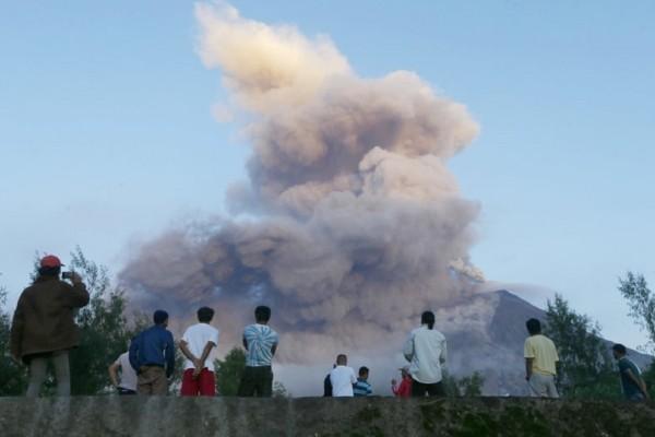 Πανικός στις Φιλιππίνες από την έκρηξη ηφαιστείου! (Photo)