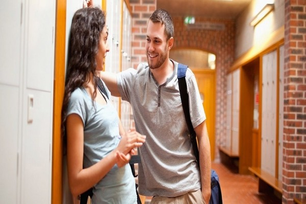 Κορίτσια δώστε βάση: 4 απλές συμβουλές για πετυχημένο φλερτ!