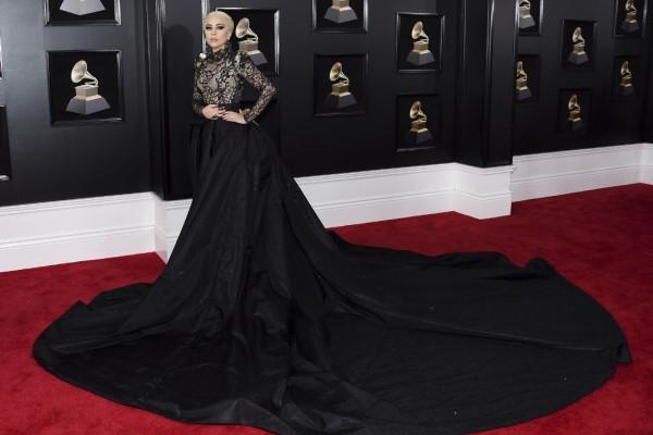 H Lady Gaga στα Grammy έδειξε τον δρόμο για την πιο τοπ πλεξούδα