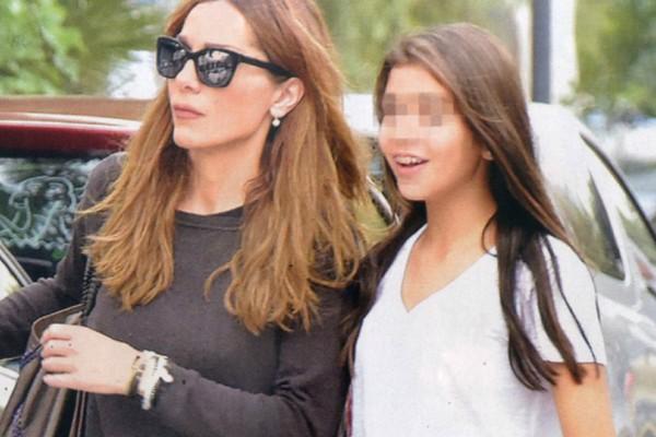 Για πρώτη φορά! Η Δέσποινα Βανδή μας δείχνει το προσωπάκι της Μελίνας! Η εκπληκτική τους ομοιότητα!