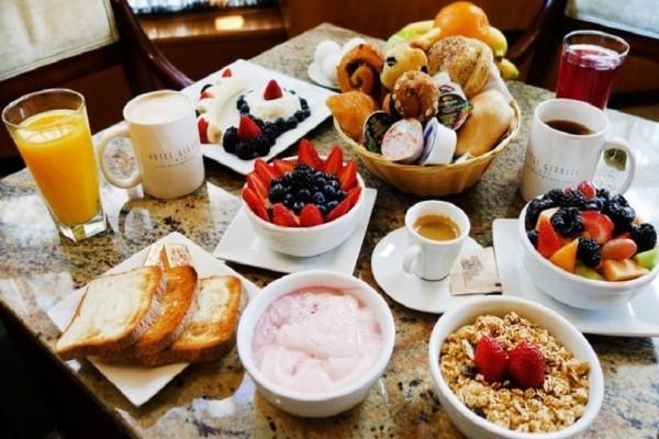 Ένα απολαυστικό πρωινό που μπορείς να ετοιμάσεις από το βράδυ και να κερδίσεις χρόνο!