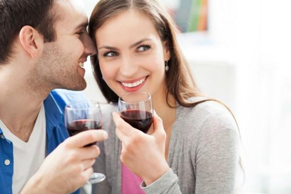 Αλήθεια τώρα; Το πόσο πίνεις επηρεάζεται από το πώς μυρίζει ο σύντροφος σου;