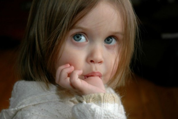 Έτσι θα σταματήσει το παιδί να πιπιλάει το δάχτυλο!