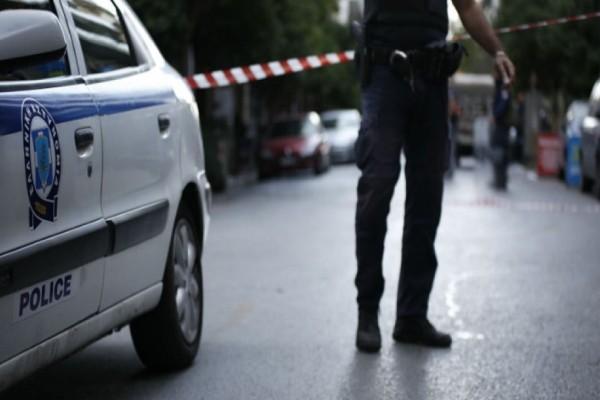Εμπρηστική επίθεση με γκαζάκια σε ΕΛΤΑ στην Πάτρα