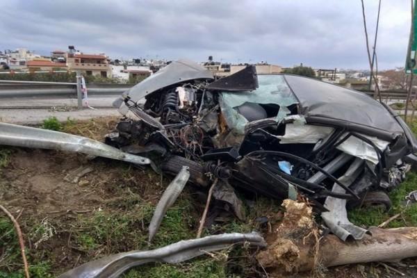 Τροχαίο - σοκ στο Ηράκλειο: Έφυγε από την Εθνική και κατέληξε σε... παράδρομο! (photos)