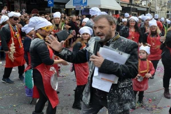 Χρήστος Φερεντίνος: Η δημόσια διάψευση και το ξέσπασμα του παρουσιαστή για το περιστατικό στο καρναβάλι της Καλαμάτας!